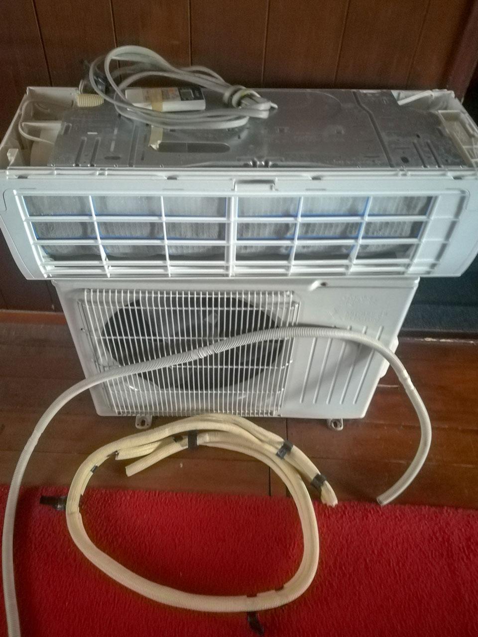 素人でも、10分でできる家庭用エアコンの取り外し方