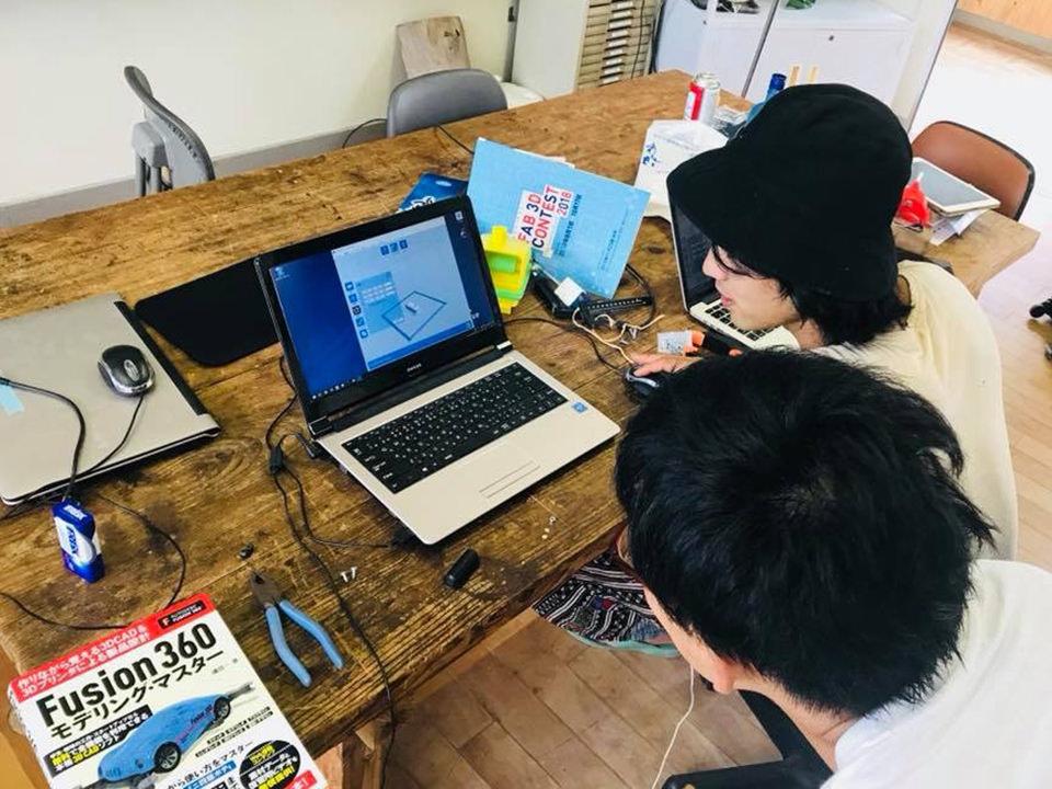 役場の人たちがダイナミックラボ視察に。沖永良部島にゴミ問題を解決するファブラボを作れるのか!?
