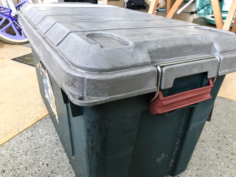 脆くなったプラスチックをヒートガンで復活させちゃうぞ!RVボックス